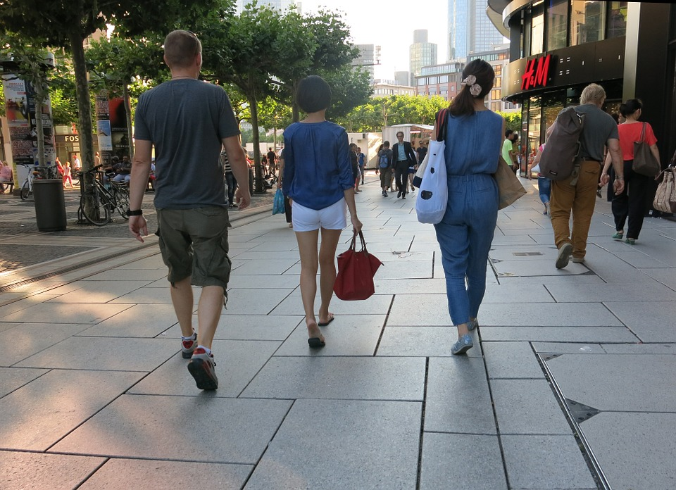 pedestrian-zone-456909_960_720