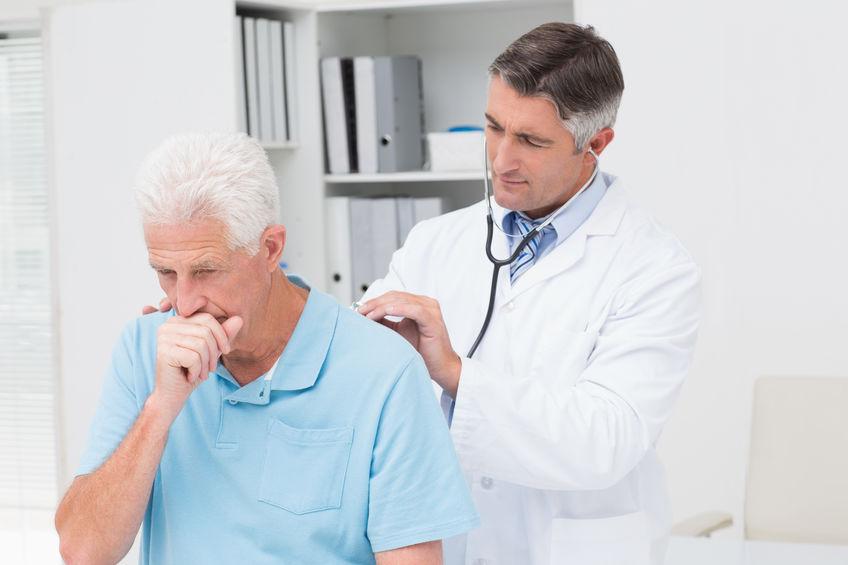 기침하는 환자 청진
