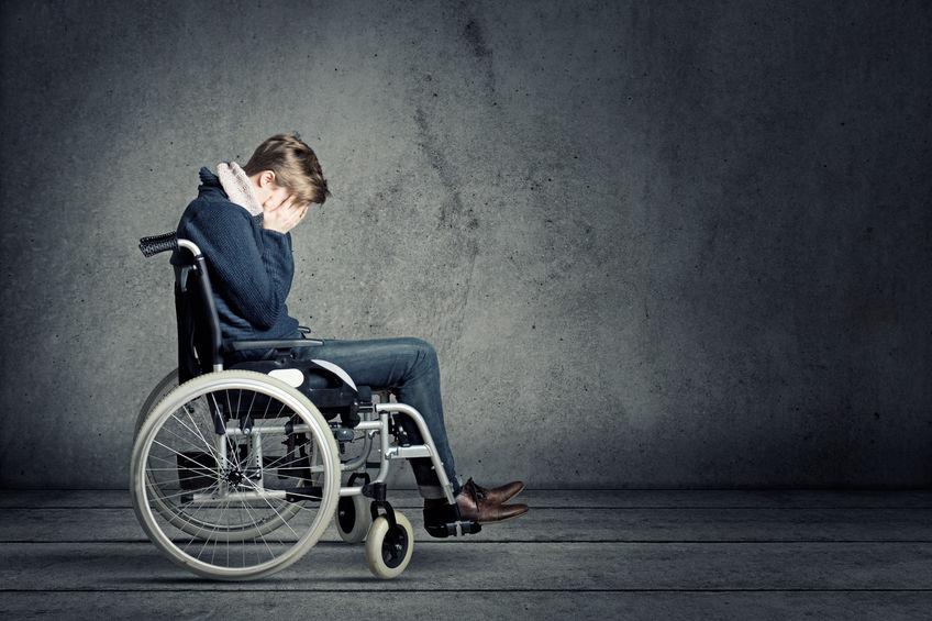 휠체어 젊은이